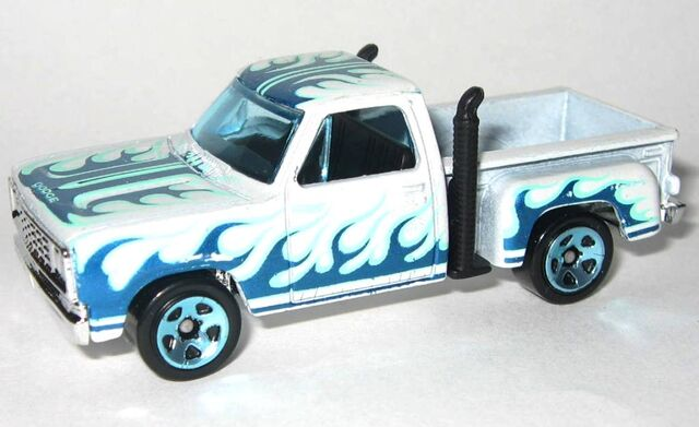 File:HW-2015-215-'78 Dodge Li'l Red Express Truck-HeatFleet..jpg
