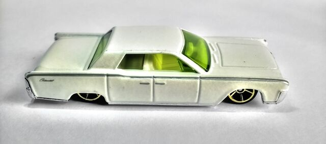 File:Hot Wheels '64 Continental (2007 Model).jpg