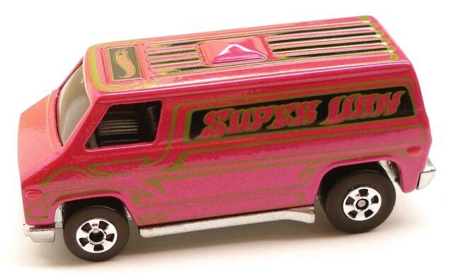 File:SuperVan HotOnes Pink.JPG