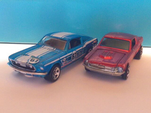 File:Hot Wheels Custom Mustang's.jpg