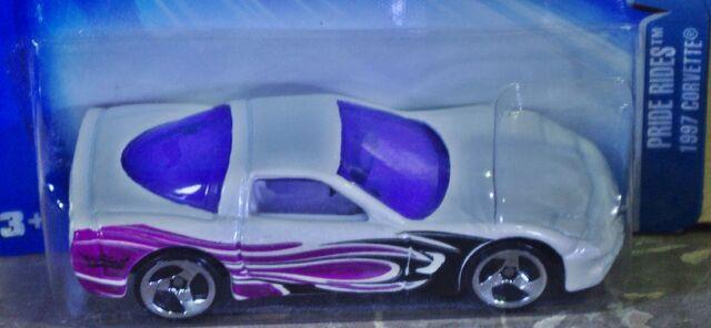 File:04-196 97 Corvette White TBs close.JPG