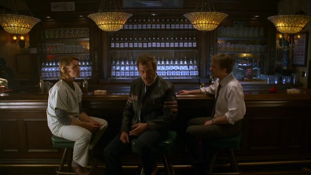 File:S04E15 House Chase and wilson at the bar.jpg