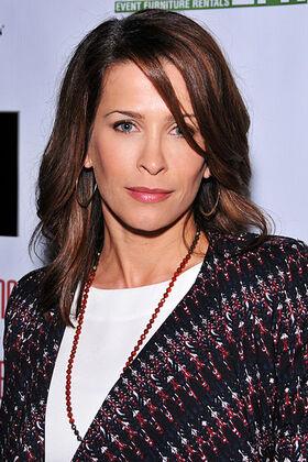 Christina Cox 2013