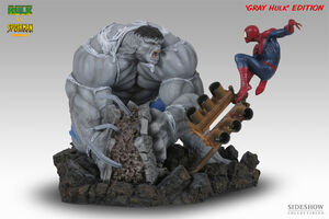 Grey hulk vs spider man