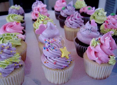 File:Free Cupcakes.jpg