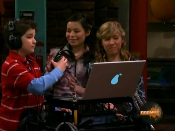 File:ICarly.S01E04.iLike.Jake.avi.flv 001217082.jpg