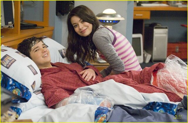 File:Icarly-saved-life-stills-04.jpg