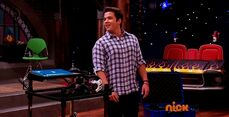 ICarly.S07E07.iGoodbye.480p.HDTV.x264 -Finale Episode-.mp4 002327781-006