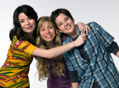 File:Mainimage icarlycast.jpg