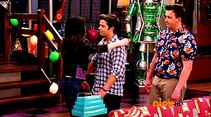 ICarly.S07E07.iGoodbye.480p.HDTV.x264 -Finale Episode-.mp4 002400354-007
