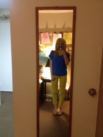 File:Jennette April 22, 2013.jpg