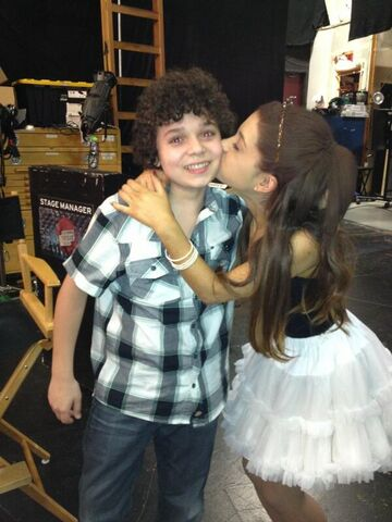 File:Ariana kissing Cameron on set May 8, 2013.jpg