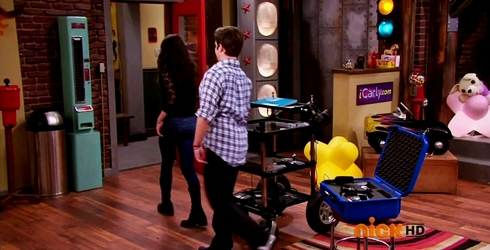File:ICarly.S07E07.iGoodbye.480p.HDTV.x264 -Finale Episode-.mp4 002375913-063.jpg