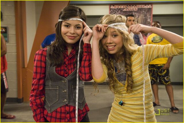 File:Icarly-look-alike-stills-01.jpg