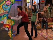 IStage-an-Intervention-icarly-6604651-320-240