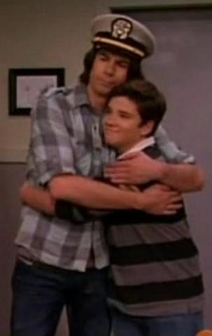 File:Fencer hug.png