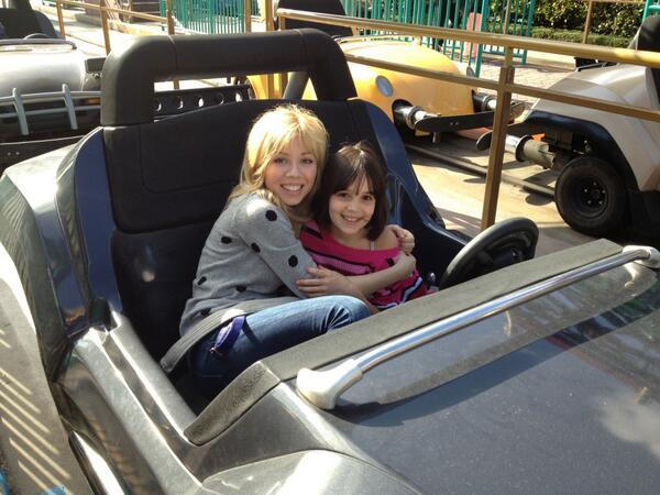File:Jennette hugging Gianna Ocasio on a Disneyland ride.jpg
