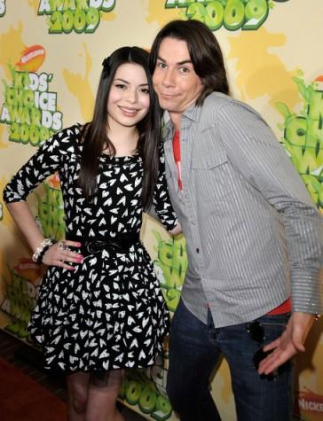 File:364px-Miranda Cosgrove Jerry Trainor Nickelodeon kaf420dxEkLl.jpg