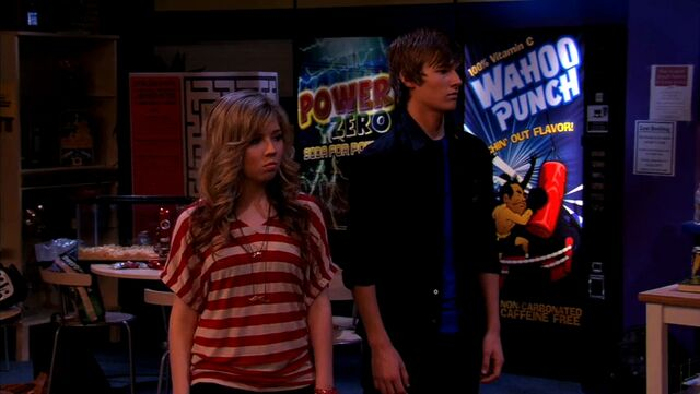 File:ICarly.S04E10.iOMG-HD.480p.Web-DL.x264-mSD.mkv 001070434.jpg