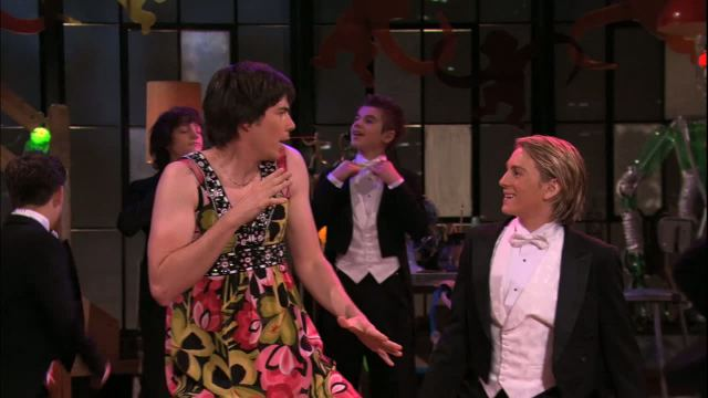 File:Icarly-103-idream-of-dance-spencer-and-carly-1.jpg