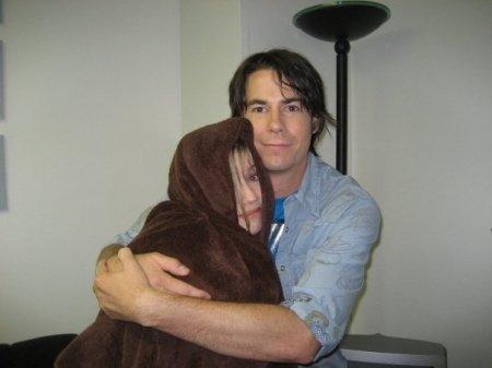 File:Jennette McCurdy - Jerry trainor hug.jpg
