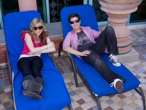 File:Nathan-and-Jennette-Nickelodeon-Cruise-nathan-kress-and-jennette-mccurdy-8943854-500-377.jpg