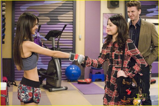 File:Icarly-ifight-shelby-marx-04.jpg