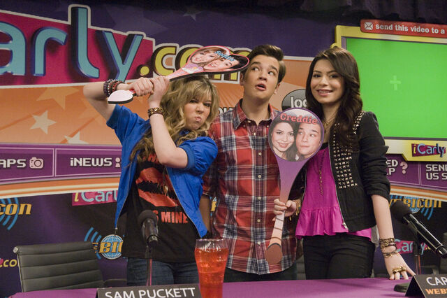 File:Icarly istart 13HR.JPG
