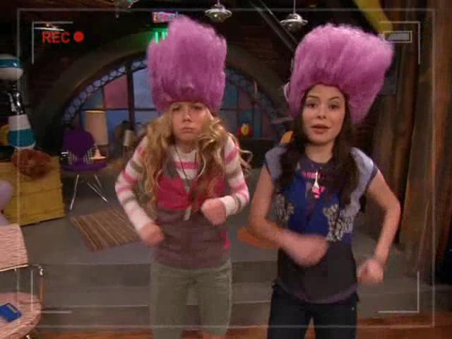 File:Carly & Sam as Trolls-2-.JPG