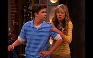 File:ILook-Alike-icarly-6525590-320-200.jpg