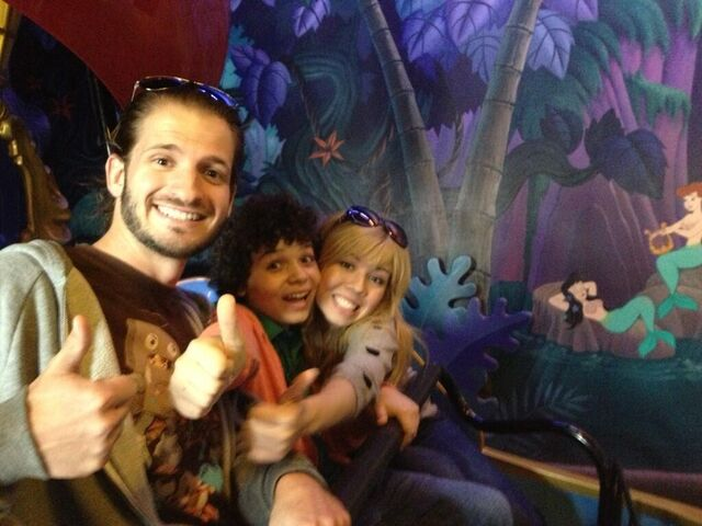File:Cameron and Jennette giving thumbs up on a Disneyland ride.jpg