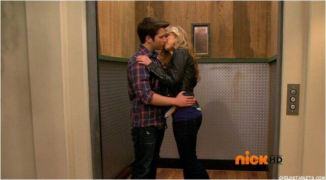 File:64468-icarly-seddie-kiss.jpg