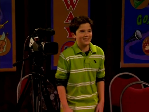 File:ICarly.S01E01.iPilot.HR.DVDRiP.XviD-LaR.avi 000473375.jpg
