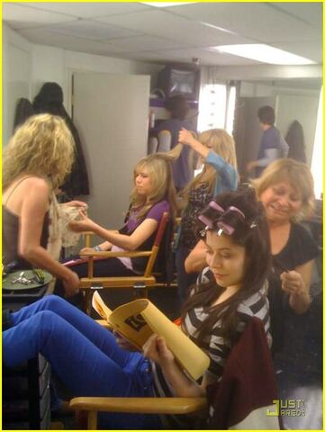 File:Icarly-behind-the-scenes-03.jpg