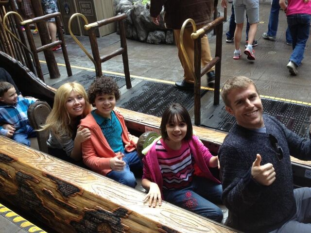 File:Jennette, Cameron, and Gianna on a Disneyland ride.jpg