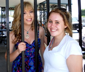 File:Jennette-mccurdy-lunch-break-300x252.jpg