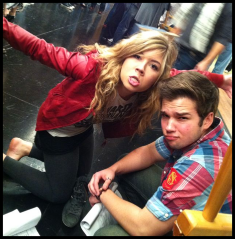 File:Jennette-and-Nathan-nathan-kress-and-jennette-mccurdy-31743563-644-655.png