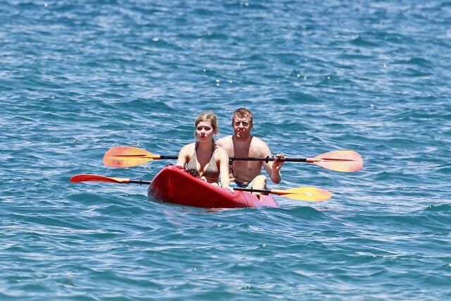 File:Jennette McCurdy Hawaiian Vacation 28529.jpg