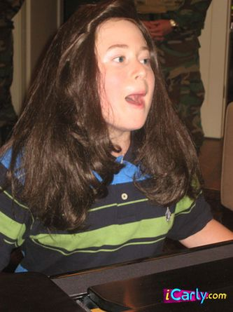 File:Nevel as a girl.jpg
