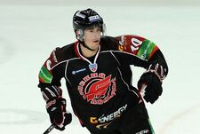 648960 sport-hokej-cervenka-omsk-crop