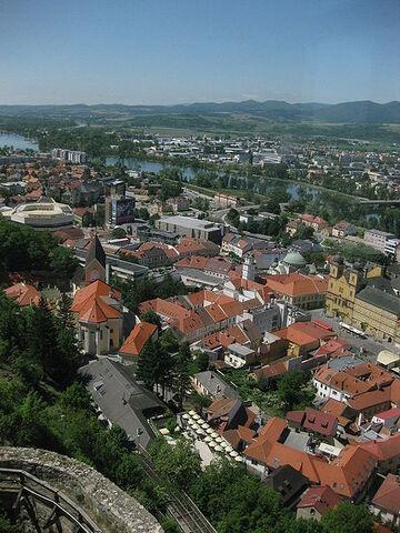 File:Trenčín.jpg