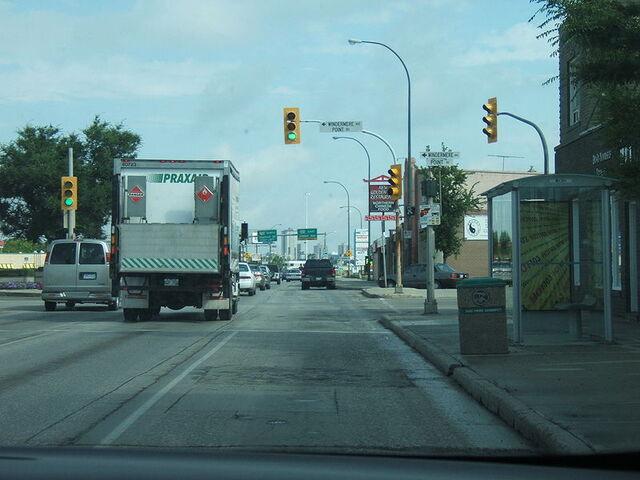 File:Fort Garry, Winnipeg.jpg