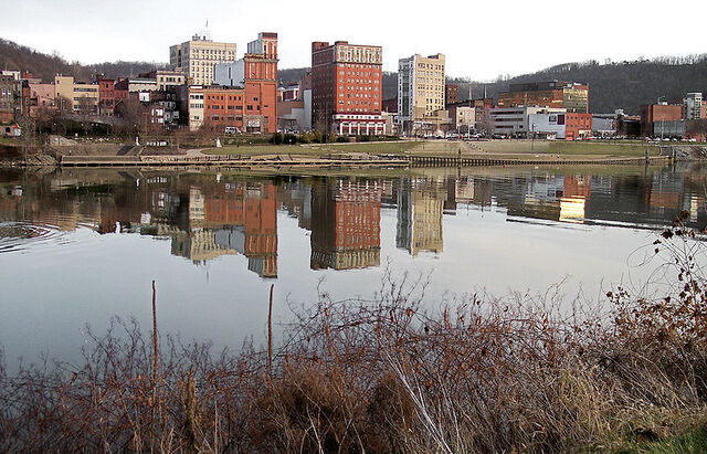 File:Wheeling, West Virginia.jpg