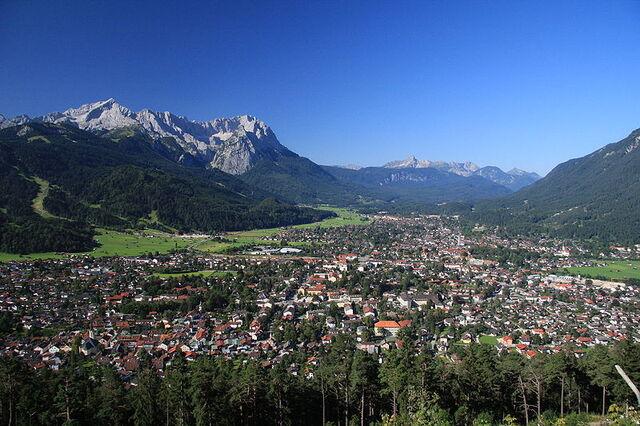 File:Garmisch-Partenkirchen.jpg