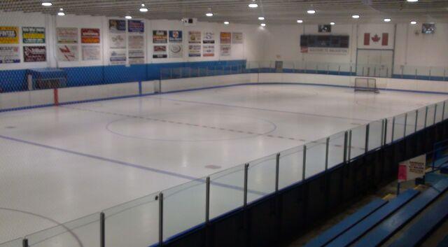File:Walkerton Community Centre hockey arena Interior.jpg