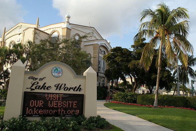 File:Lake Worth, Florida.jpg