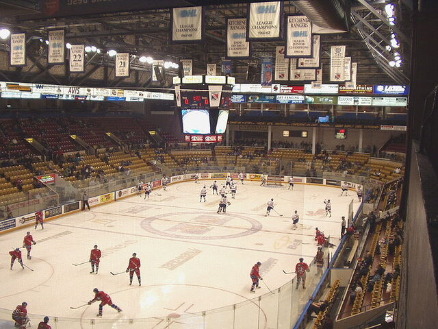 File:Kitchener Memorial Auditorium interior.jpg