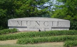 File:Muncie, IN Welcome Sign.jpg