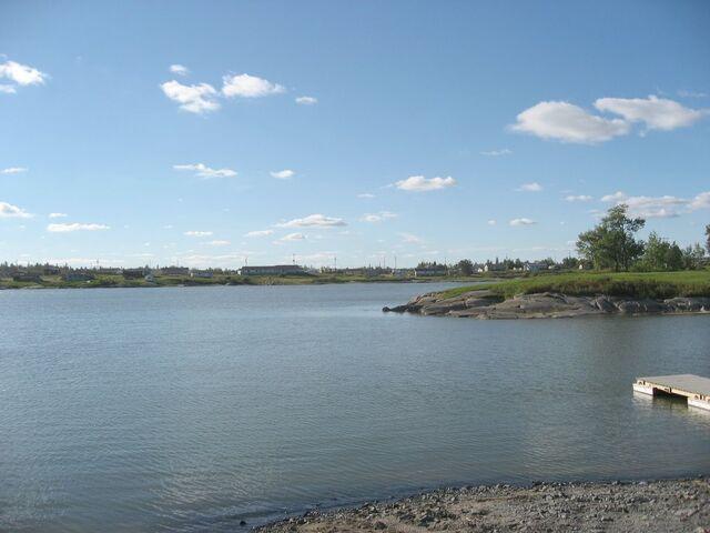 File:Cross Lake, Manitoba.jpg