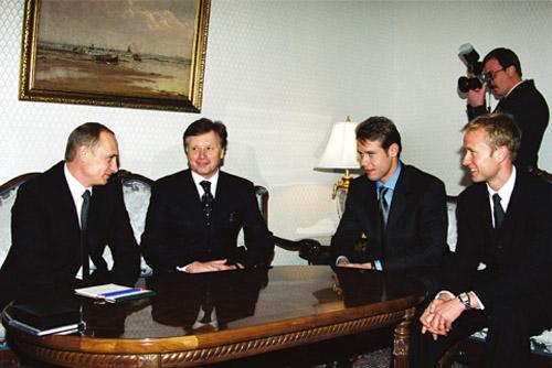 File:Vladimir Putin 14 August 2001-1.jpg